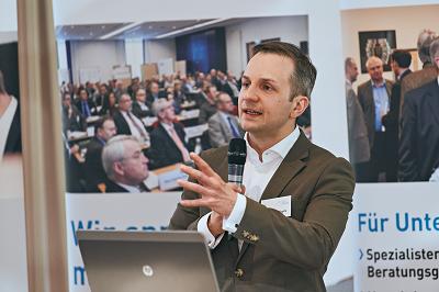 Alexander Tirpitz KMU Tagung EO Institut - Internationalisierung von KMU - Vortrag von Alexander Tirpitz auf der Frühjahrstagung des Bundesverbands freier Berater e.V.