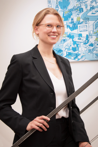 Julia Hapkemeyer EO Institut 200x300 - Team