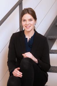 Laura Buchinger EO Institut 200x300 - Team