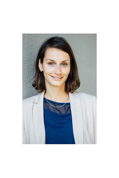 Julia Sander Alumni - Ehemalige Mitarbeiterinnen und Mitarbeiter