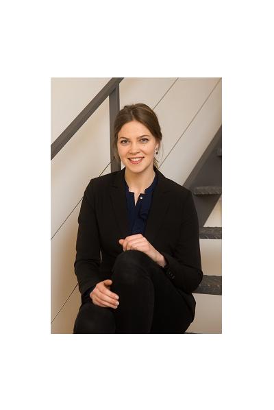 Laura Buchinger Alumni - Ehemalige Mitarbeiterinnen und Mitarbeiter